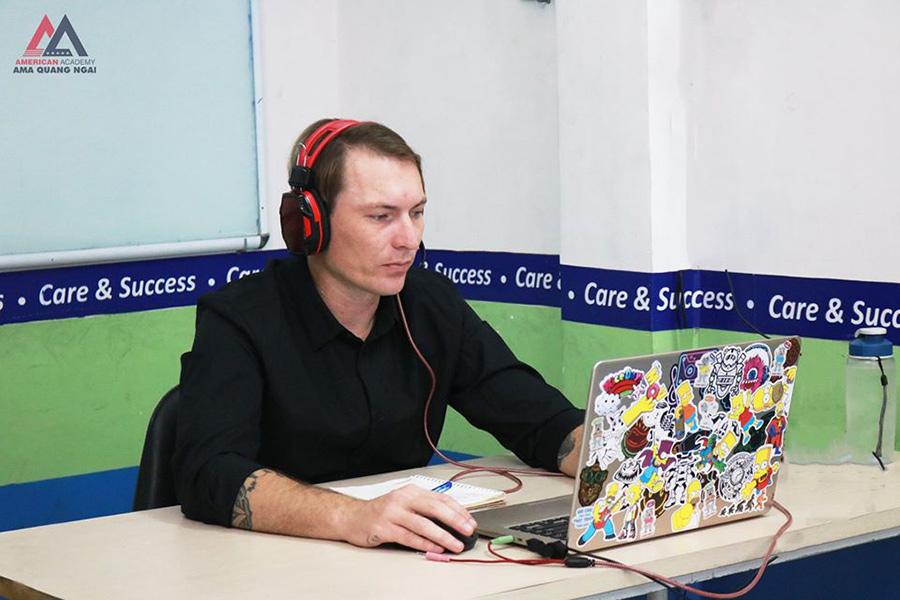 Giáo viên bản ngữ AMA Quảng Ngãi