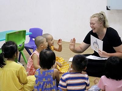 Hình ảnh lớp học tiếng Anh trẻ em