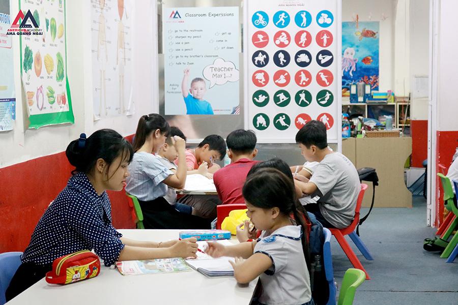Giờ học tiếng Anh trẻ em của học viên mô hình Active Learning